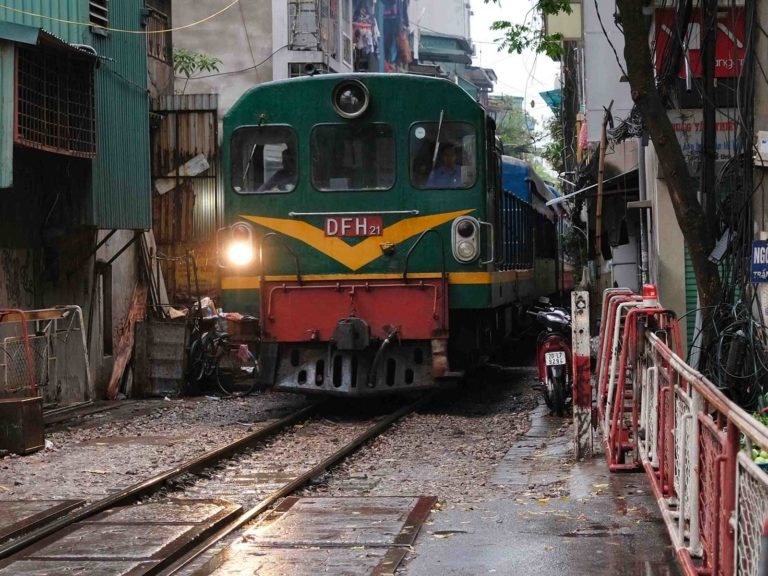 Hanoi on the Tracks Day Tour