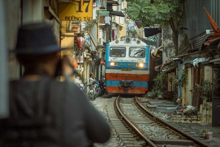 Hanoi on the Tracks